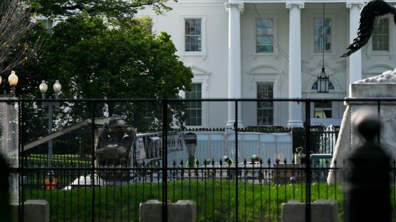Pendukung Donald Trump Terkena Tusukan Pisau Saat Perkelahian di Dekat Gedung Putih