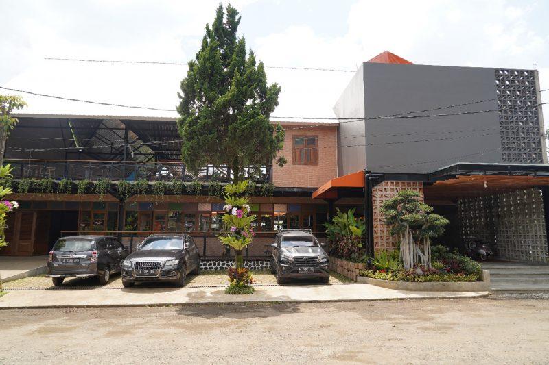 IRUL CHAERUDDIN SYAH SANG JUARA Barista 2014 di PRANCIS MUNCUL DI CAFE KALARAS BECKYARD CIMAHI