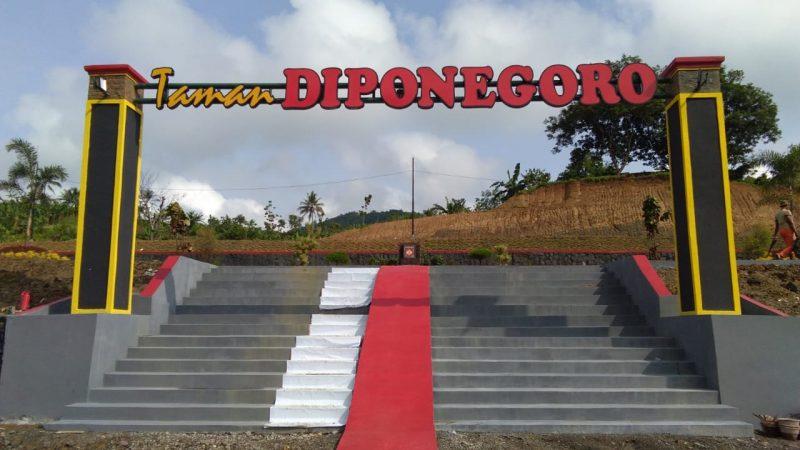 Bongkar Bukit, Inilah Penampakan Serbuan Teritorial Korem 071/Wijayakusuma