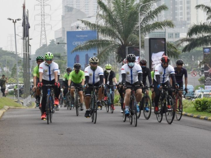 Ikuti Event Gowes di Surabaya, Danrem 081/DSJ Gelorakan Semangat Ojo Kendor