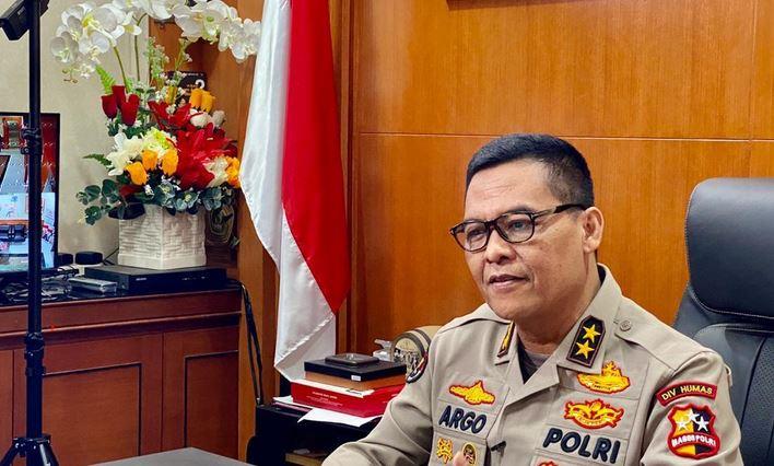 Polri  Serahkan Naskah   ke Komisi III DPR,  Jelang Fit and Proper Test Calon Kapolri