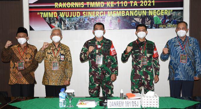 Bersama Forkopimda Pacitan, Danrem 081/DSJ Ikuti Rakornis TMMD Ke-110