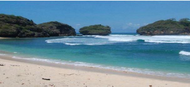 Wisata Pantai Watu Karung, Pacitan, Jawa Timur, Indonesia