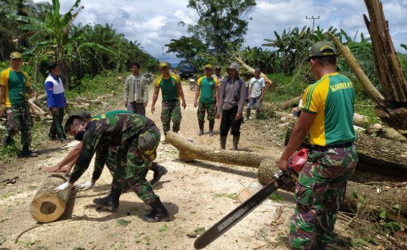 Wujud Kemanunggalan TNI-Rakyat di Ujung Perbatasan RI-PNG