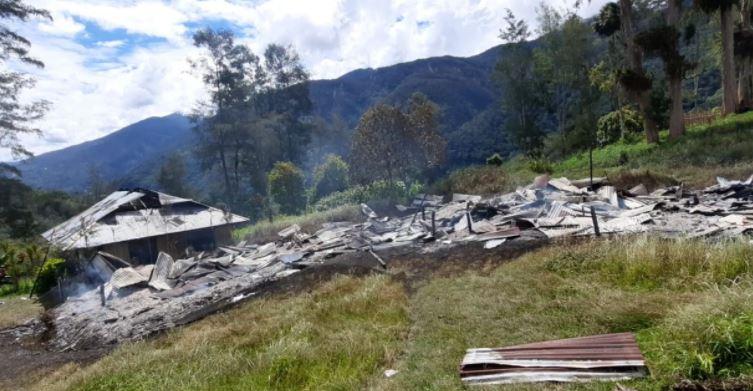 KKB;  Selain  Lumpuhkan Dunia Pendidikan, Lecehkan Adat di Papua