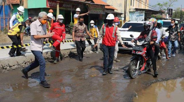 Ganjar Pranowo, Cek Pembangunan Flyover Ganefo Mranggen; Sudah Berjalan 12 Persen