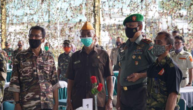 Silaturahmi Danrem 061/Sk Bersama Keluarga Besar TNI