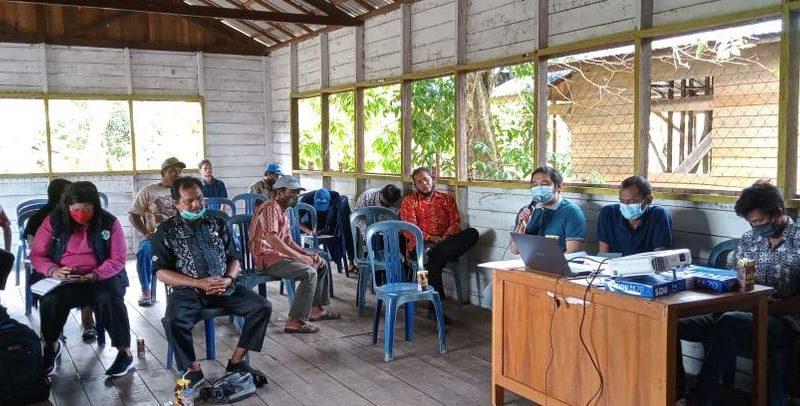 Anggota Koramil 1011-15/Kahayan Hilir Mengikuti Rapat Musyawarah Desa