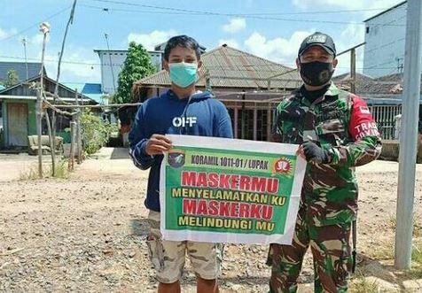 Babinsa Koramil 1011-01/Lupak Monitoring Kegiatan Kampung Tangguh Tangkal Covid-19