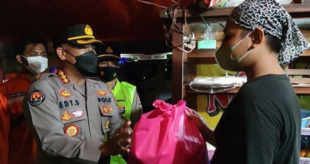[VIDEO] Kapolda Banten Bersama FKPD prov Banten, Giat bagikan Sembako