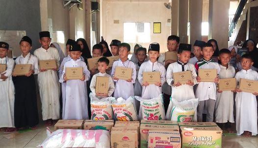 Peduli Dampak Pandemi Covid-19, Polda Banten Salurkan Beras dan Paket Sembako Ke Ponpes Baitul Quran