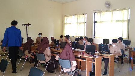 PTM Minggu Ketiga, PPL STKIP PGRI Pacitan di SMKN Pringkuku