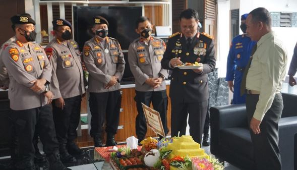 HUT TNI Ke 76, Dirpamobvit Polda Banten Ucapkan Selamat Kepada Danrem 064/MY