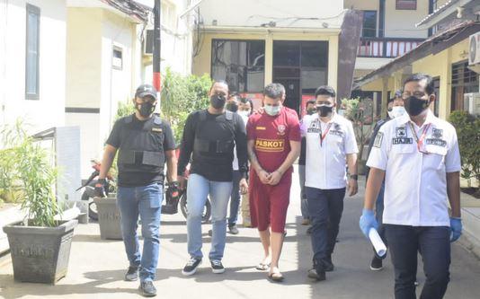 Dua WNA  Tersangka Kasus Skimming Diringkus Anggota Polres Pasuruan Kota